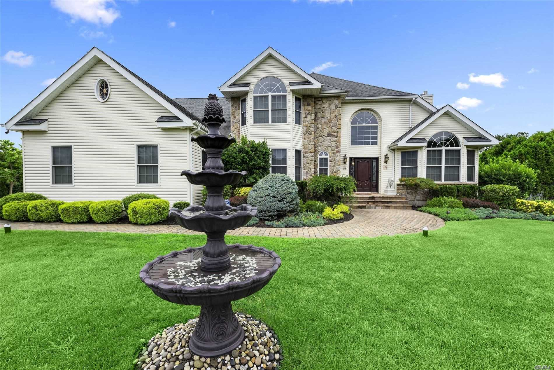 Residenziale in 4 Serviceberry Court, Miller Place, NY ,11764
