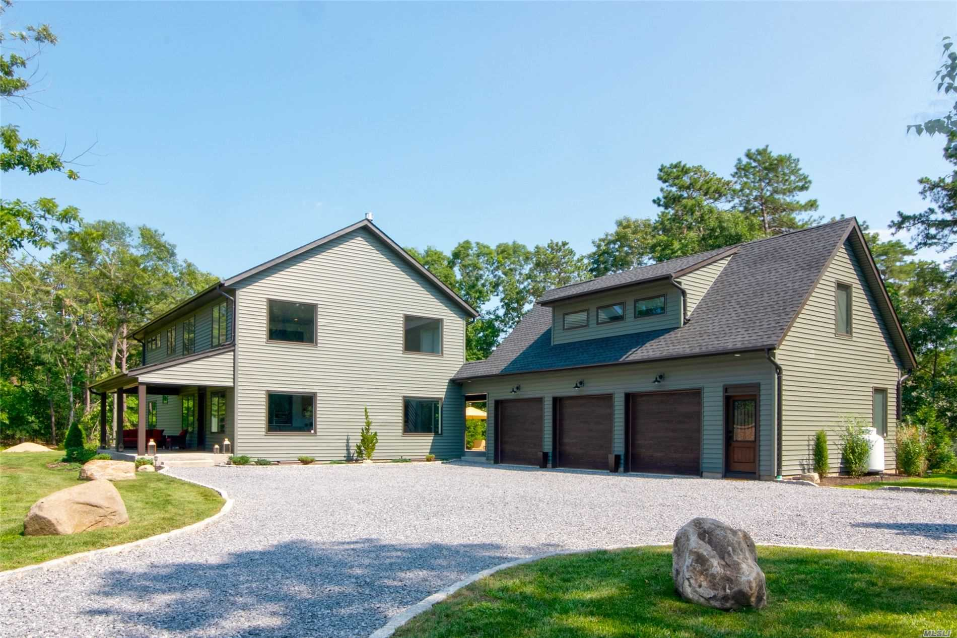 Residenziale in 15 Helme Ave, Miller Place, NY ,11764