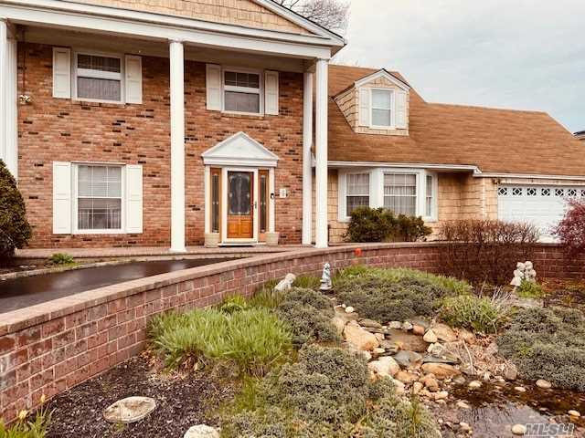 Residenziale in 37 Comerford St, Pt.Jefferson Sta, NY ,11776