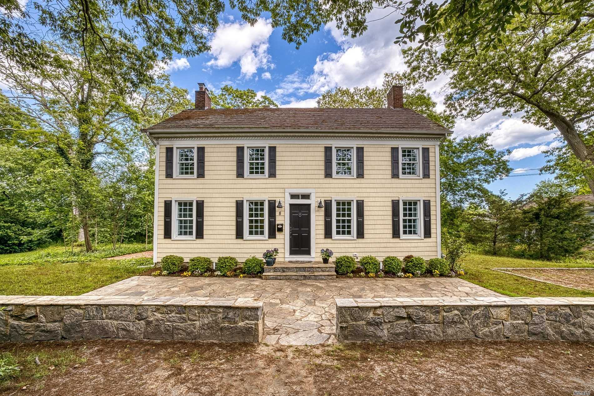 Residenziale in 8 Stillman Ct, Blue Point, NY ,11715