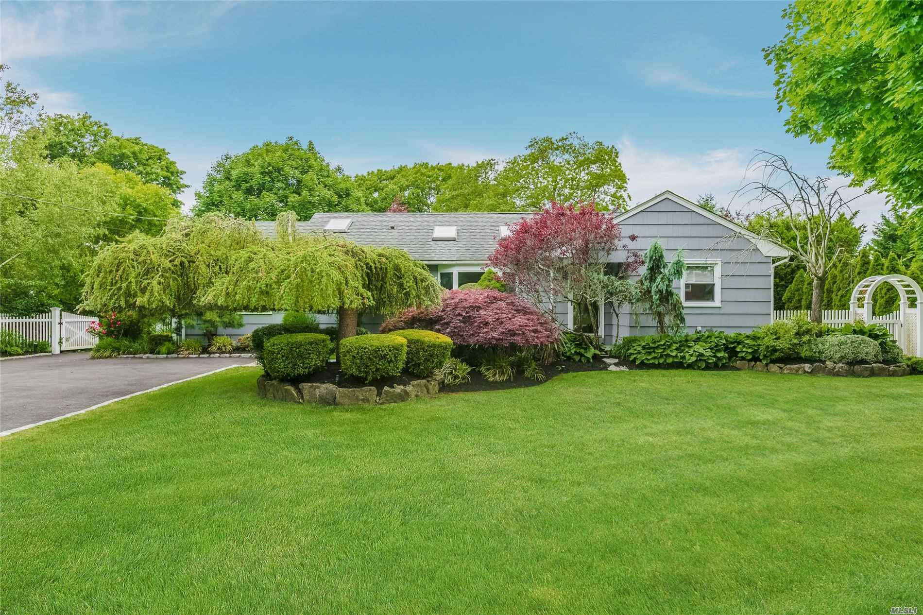 Residenziale in 16 Boylan Lane, Blue Point, NY ,11715