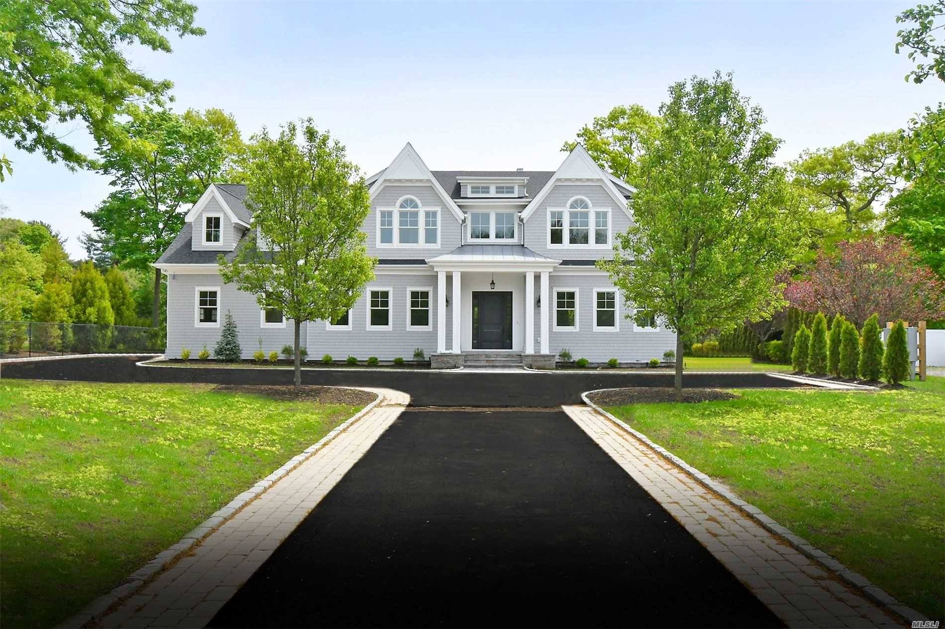 Residenziale in 108 Melrose Road, Dix Hills, NY ,11746