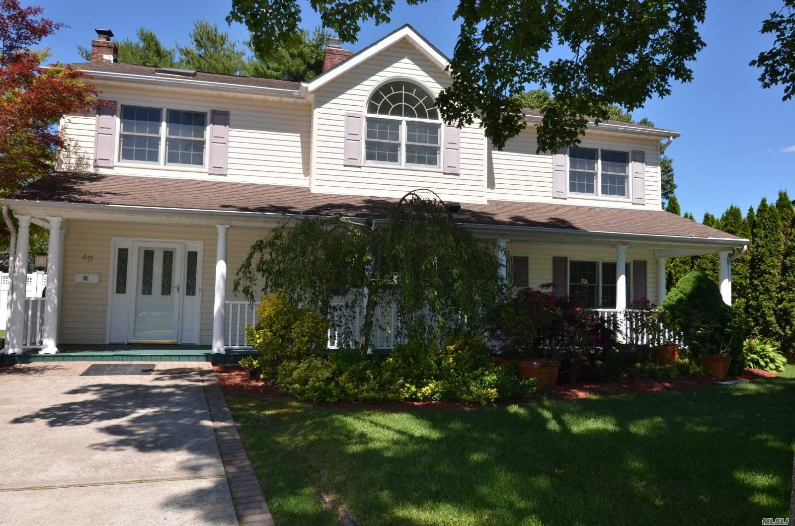 Residenziale in 49 Twig Ln, Levittown, NY ,11756