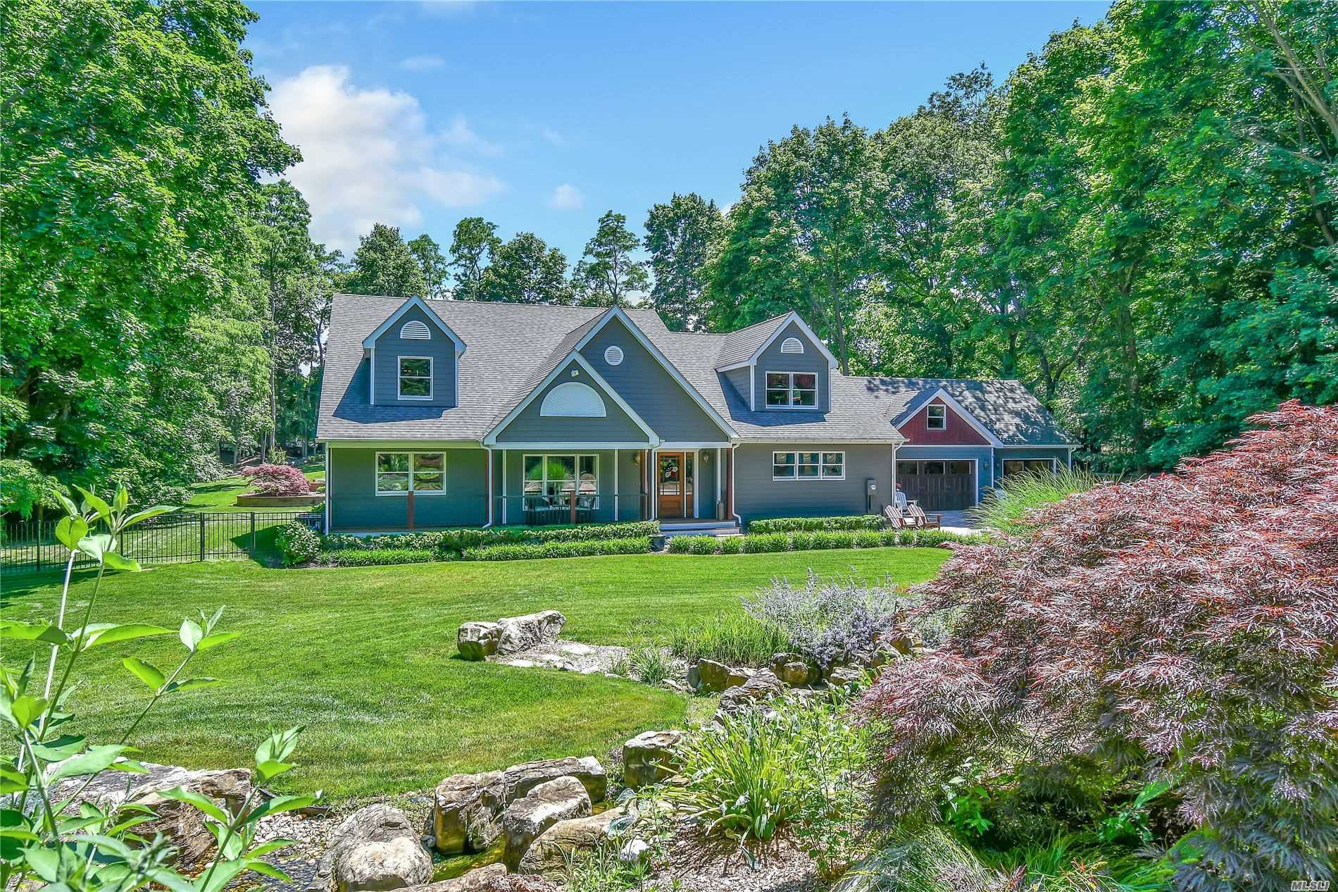 Residenziale in 19 Lower Rocky Point Drive, Miller Place, NY ,11764