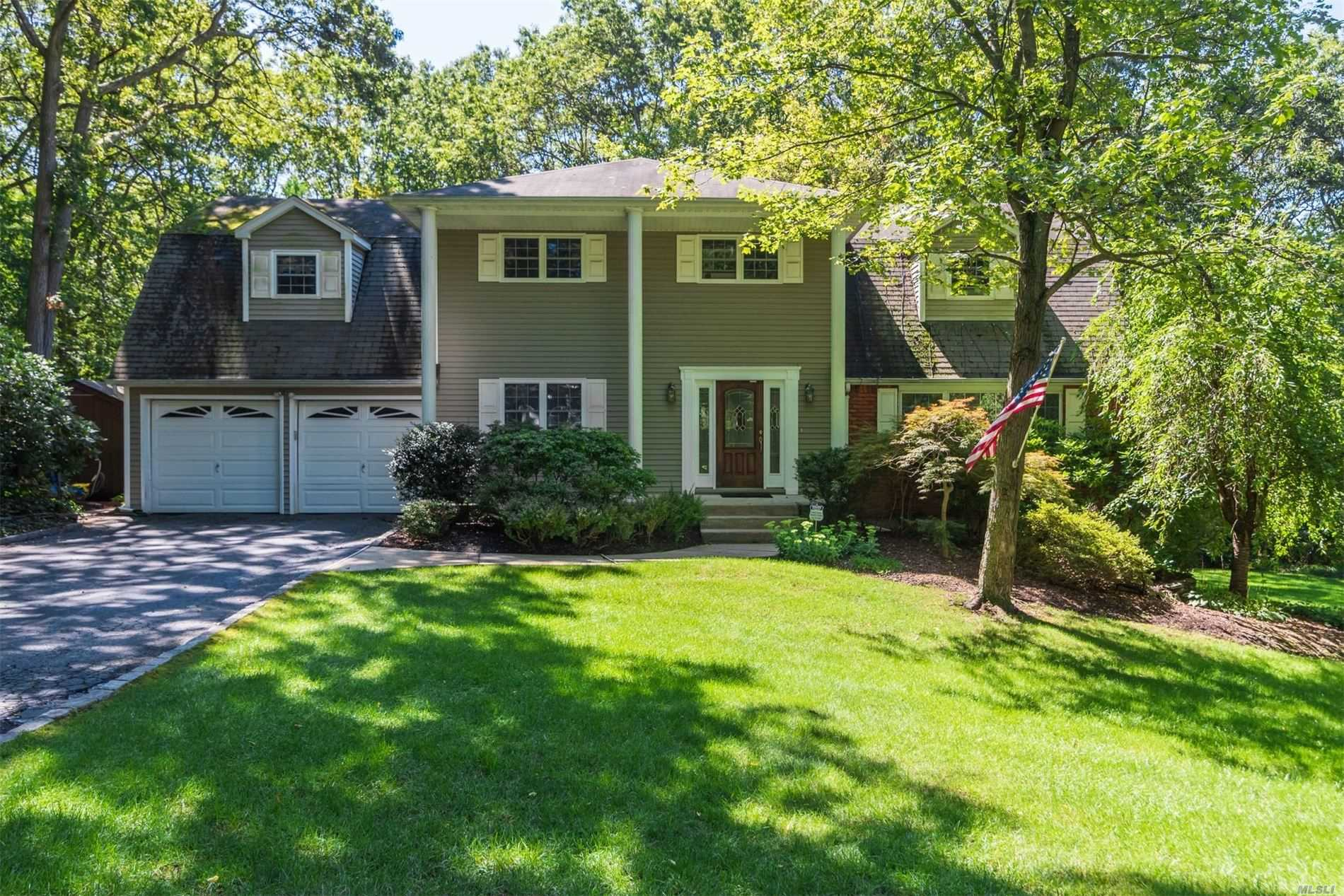 Residenziale in 41 Heights Road, Fort Salonga, NY ,11768