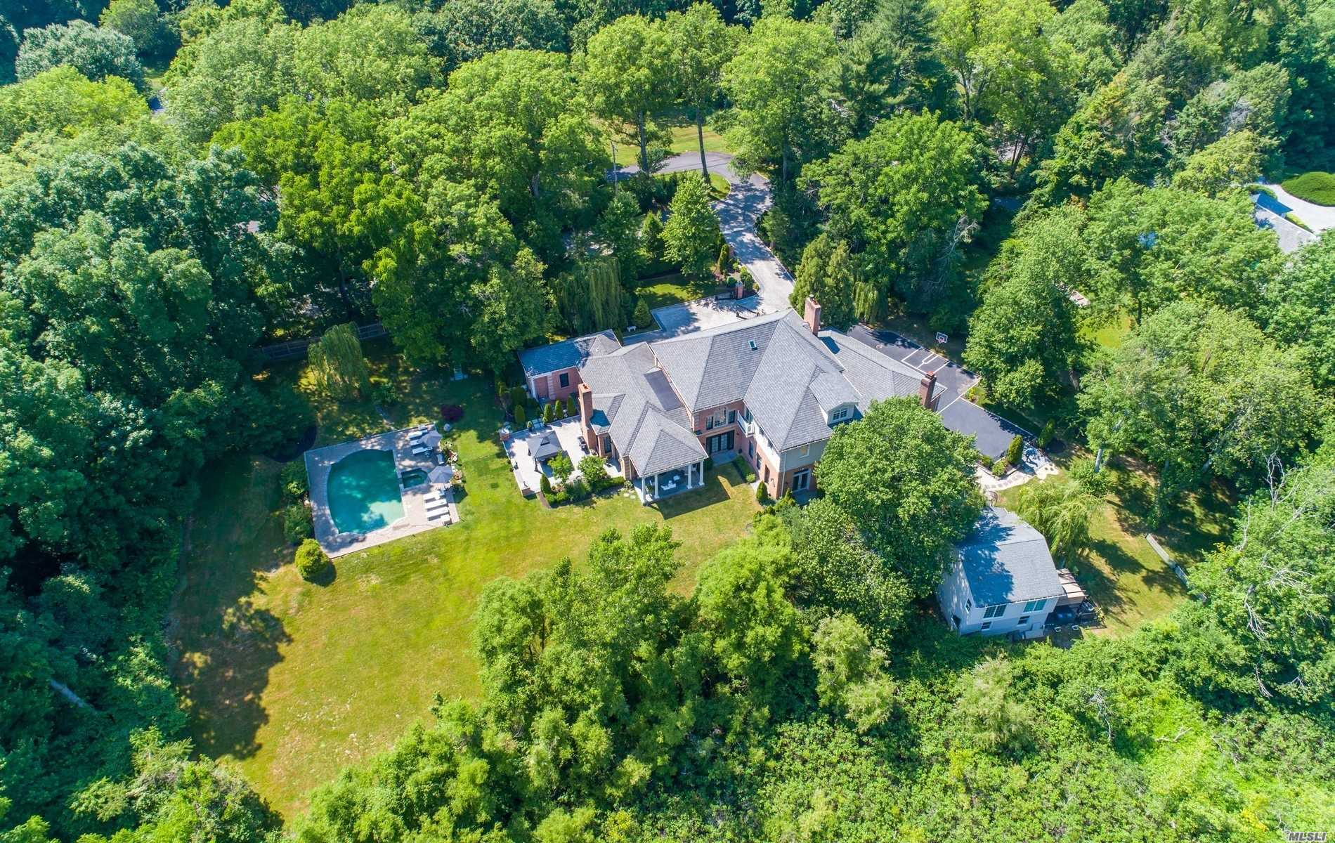 Residenziale in 36 Valentines Lane, Old Brookville, NY ,11545
