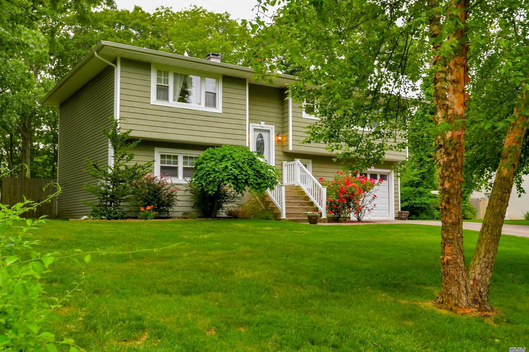 Residenziale in 11 Central Woods Lane, Brookhaven, NY ,11719