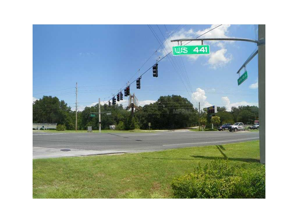 Acquisto commerciale in 315 Us Hwy 27/441, Lady Lake, Florida ,32159