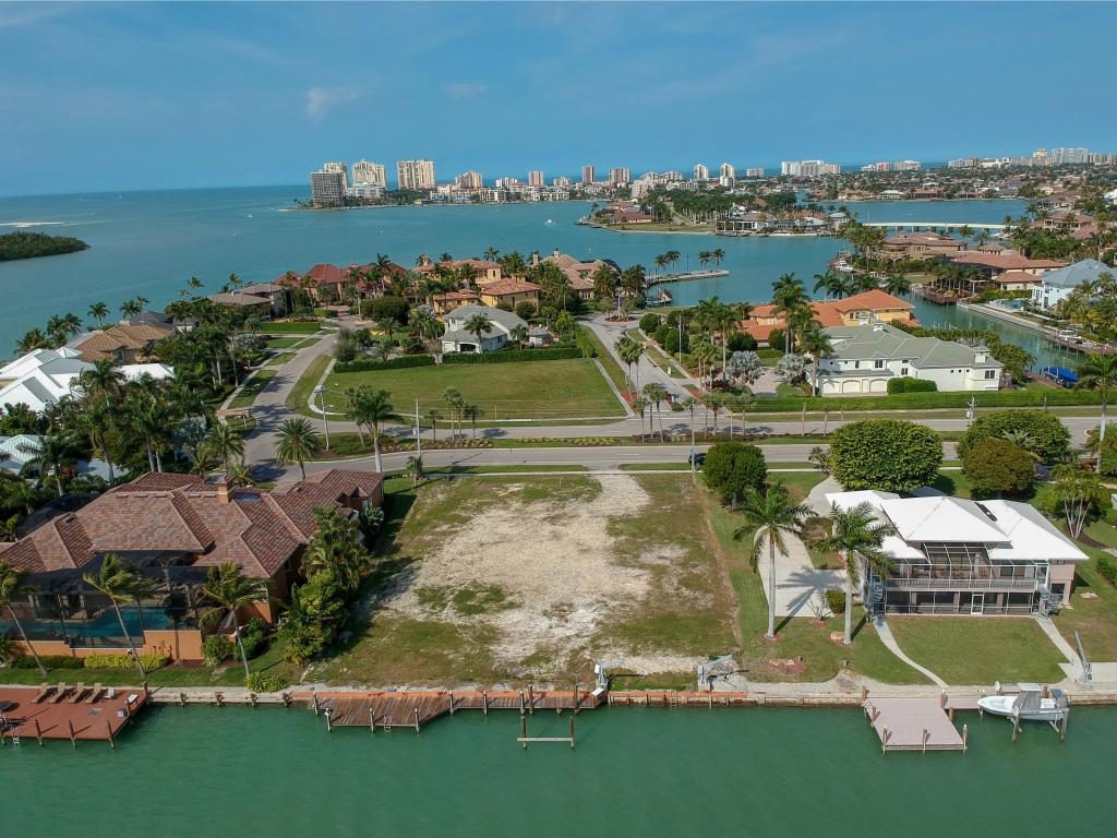 Compra di terreno in 1051 BARFIELD DR S, MARCO ISLAND, Florida ,34145