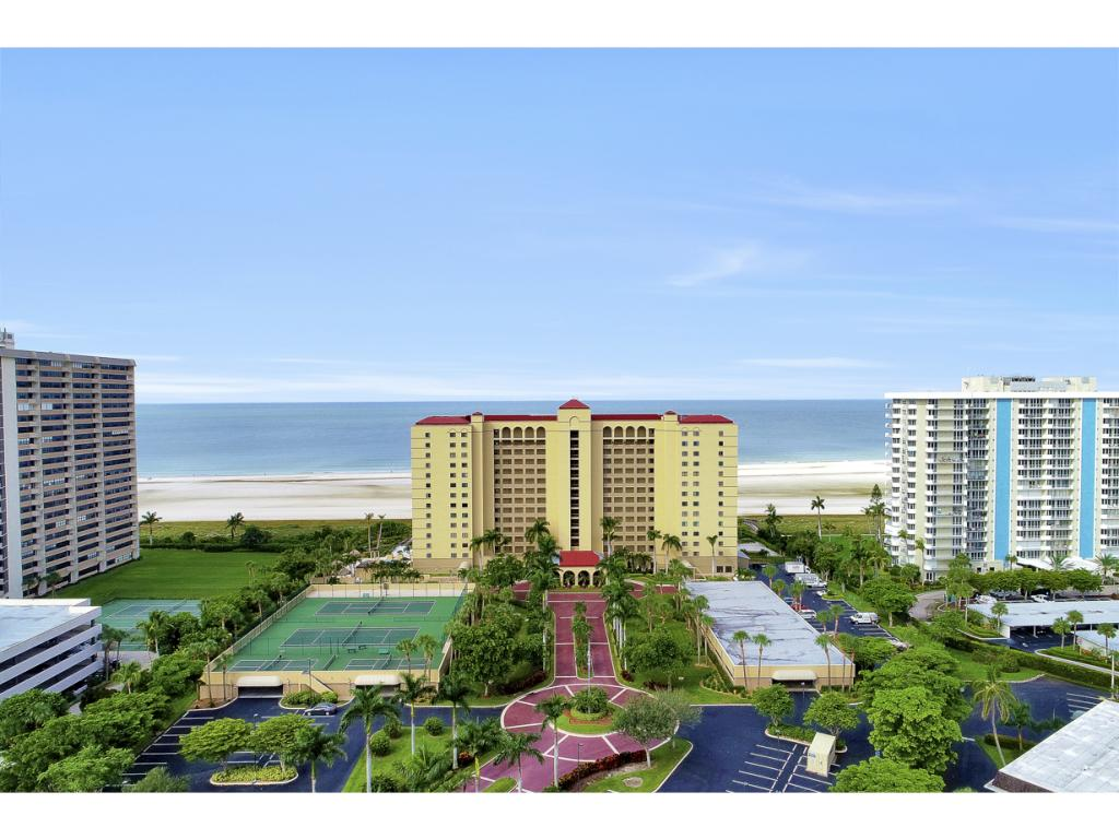 Multifamiliare in vendita in 100 COLLIER BLVD N, MARCO ISLAND, Florida ,34145