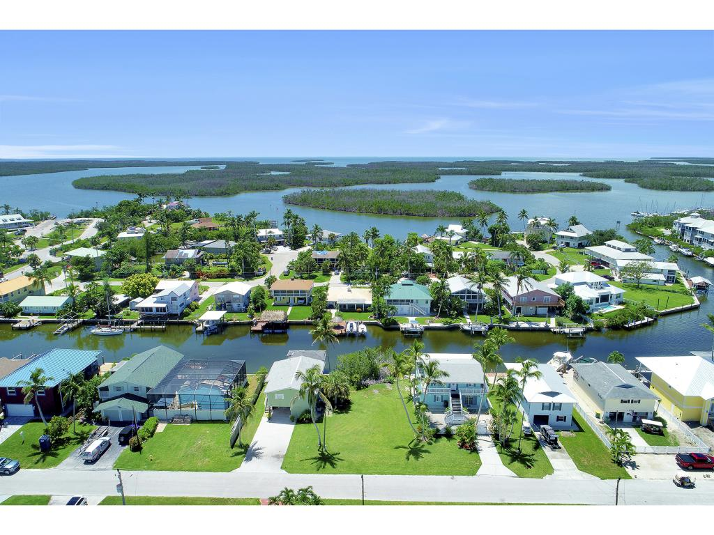 Compra di terreno in 574 COCONUT AVE, GOODLAND, Florida ,34140