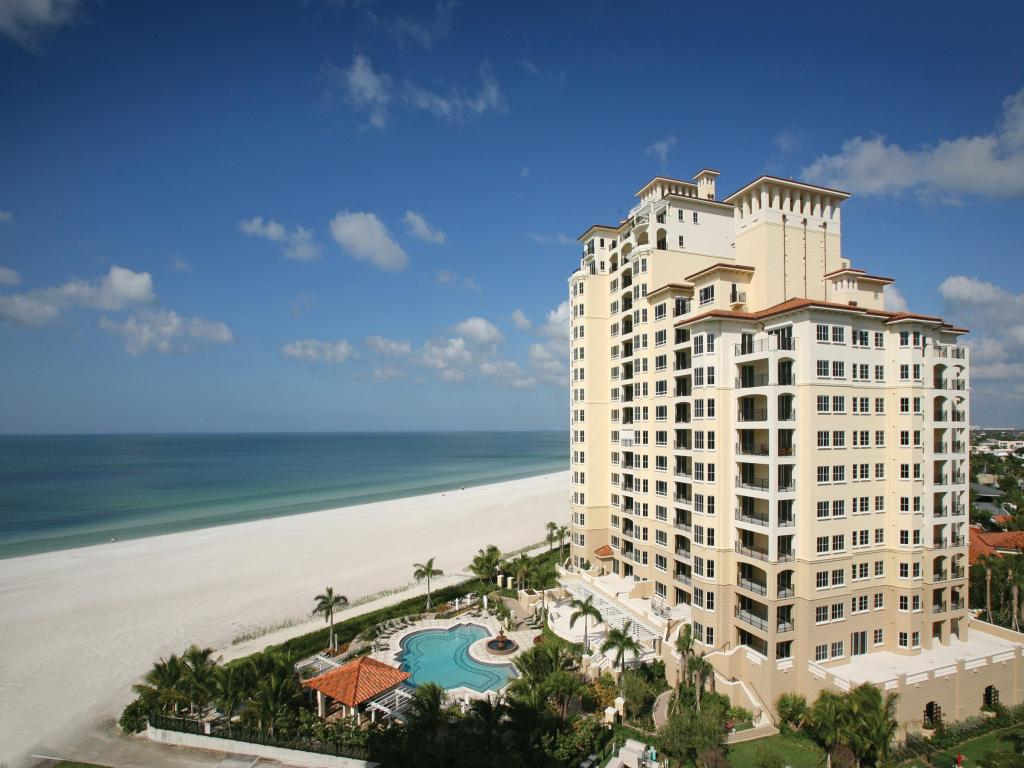 Multifamiliare in vendita in 350 COLLIER BLVD S, MARCO ISLAND, Florida ,34145