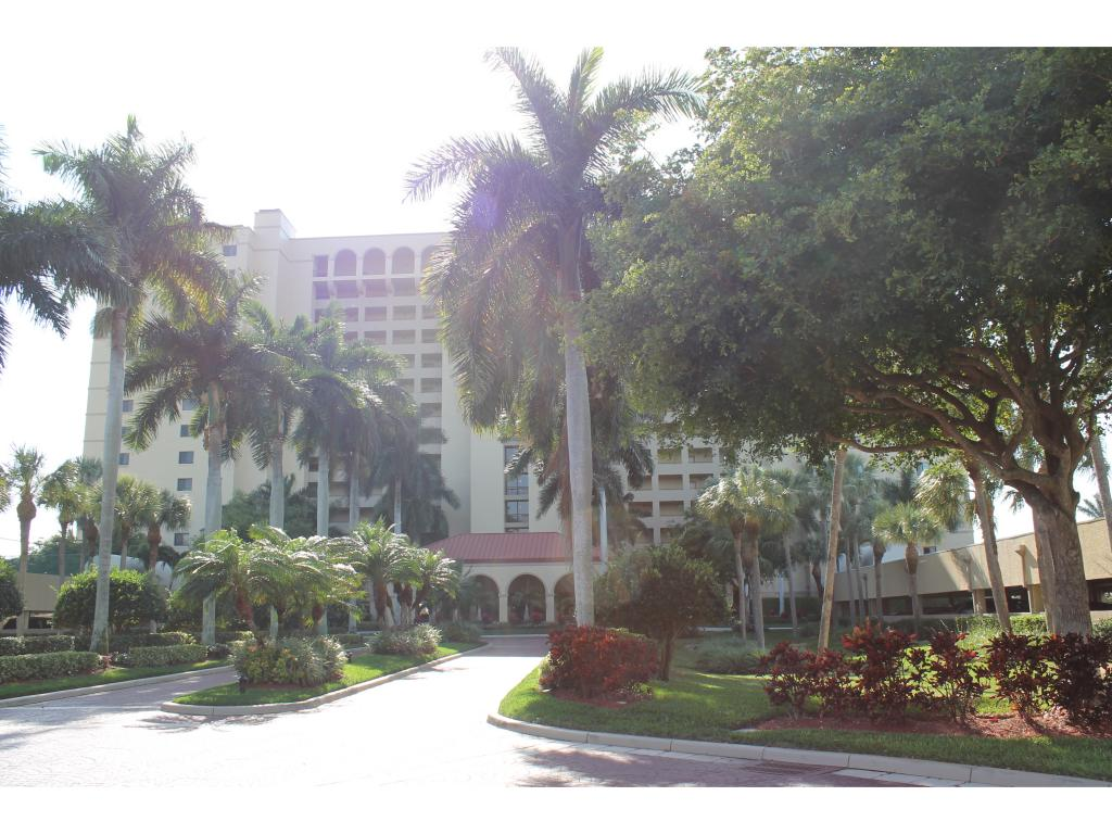 Multifamiliare in vendita in 100 Collier BLVD, Marco Island, Florida ,34145