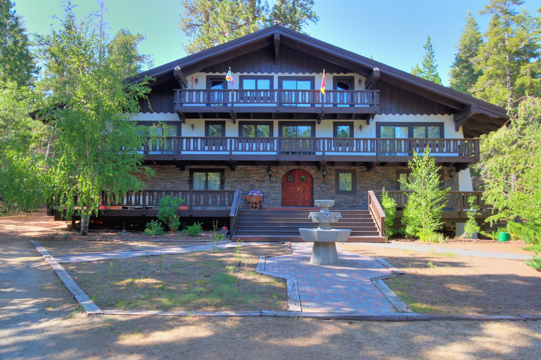 Residenza monofamiliare in vendita in 42223 Switzerland Drive, Big Bear Lake, California ,92315