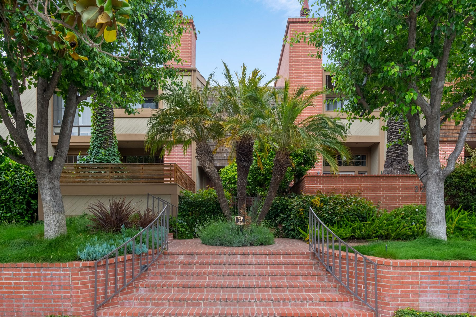 Appartamento in vendita in 323 San Vicente Boulevard Unit 13, Santa Monica, California ,90402