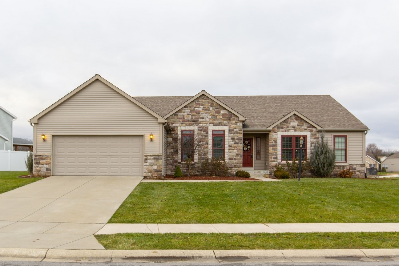 Residenza monofamiliare in vendita in 5619 Yellow Wood Drive, South Bend, Indiana ,46614