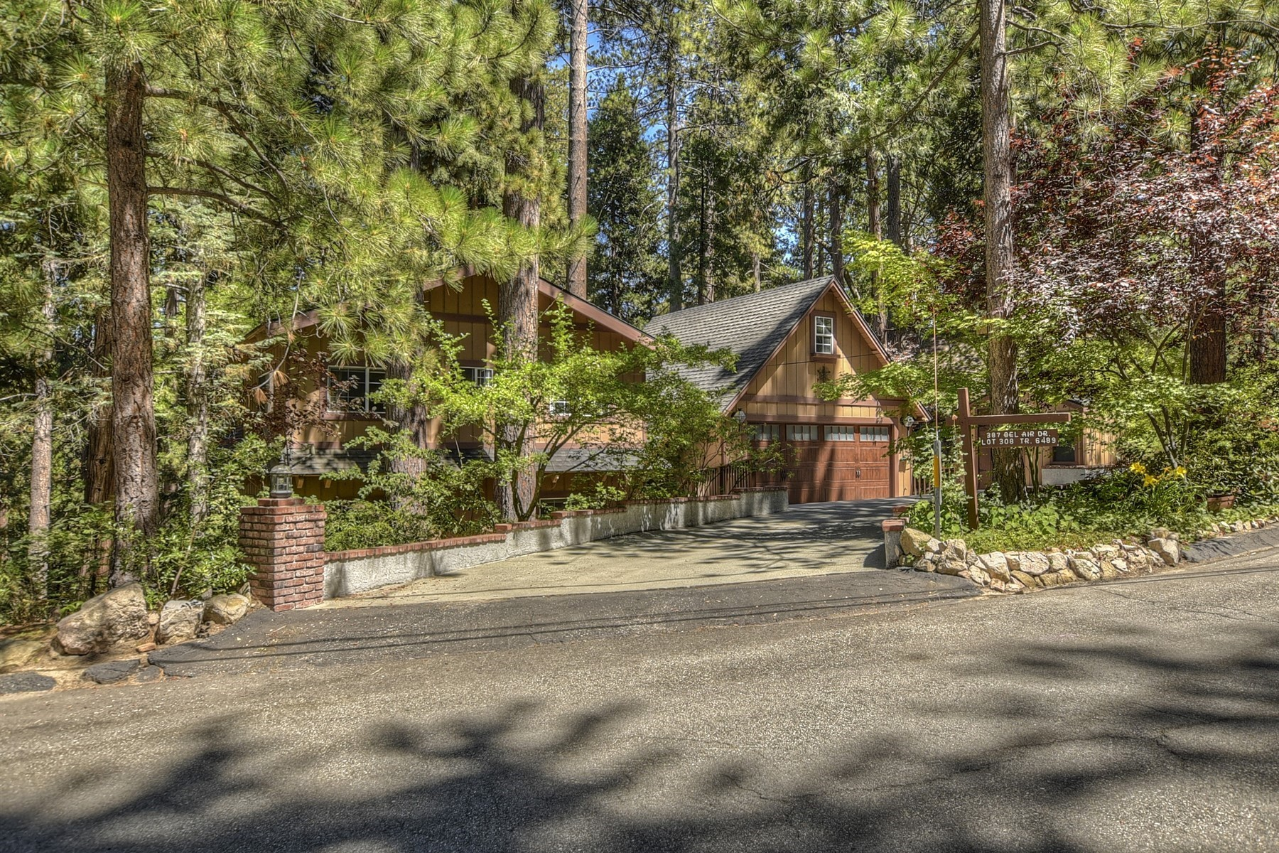 Residenza monofamiliare in vendita in 387 Bel Air Drive, Lake Arrowhead, California ,92352