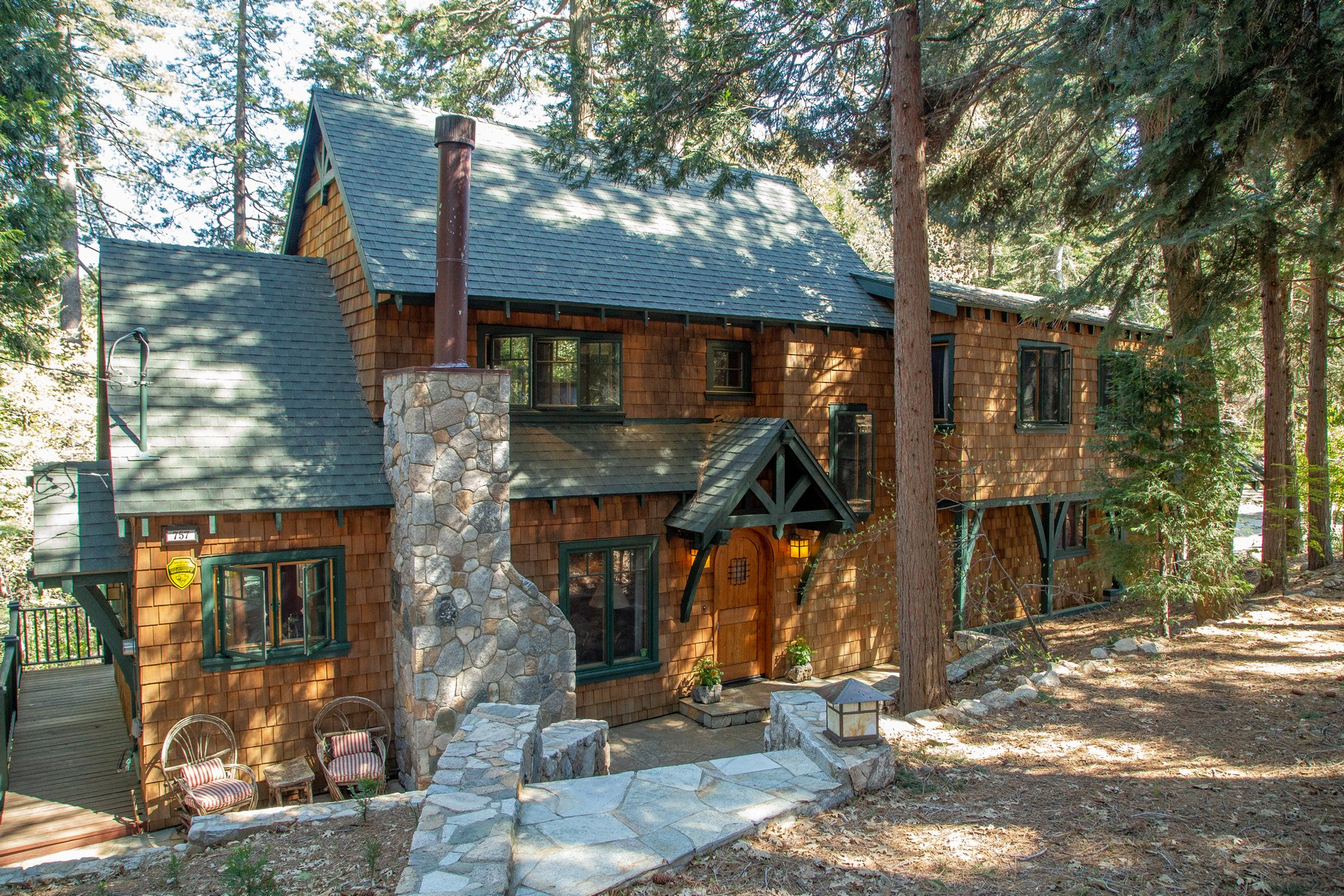 Residenza monofamiliare in vendita in 757 Crest Estates Drive, Lake Arrowhead, California ,92352