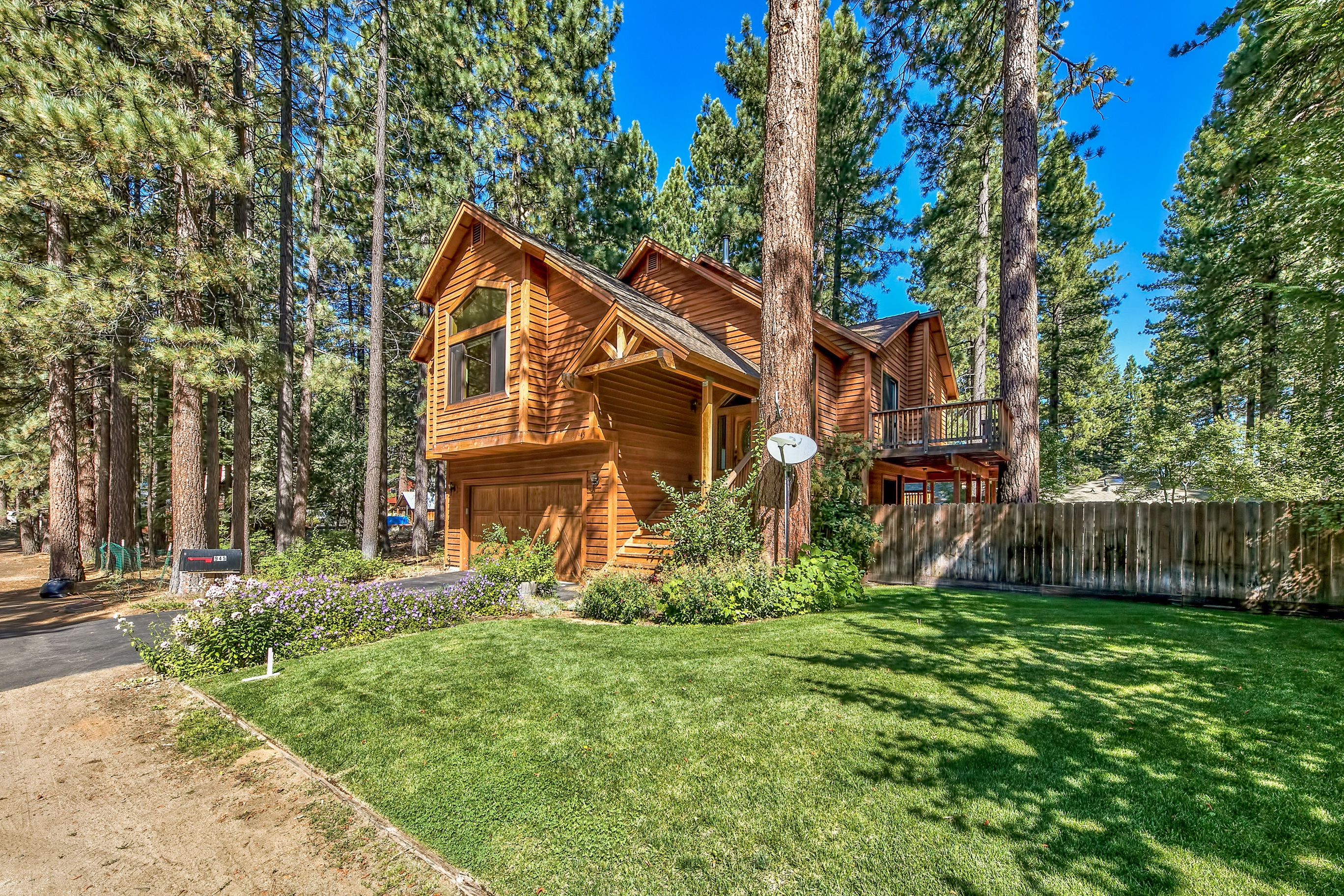 Residenza monofamiliare in vendita in 945 Merced Ave, South Lake Tahoe, California ,96150