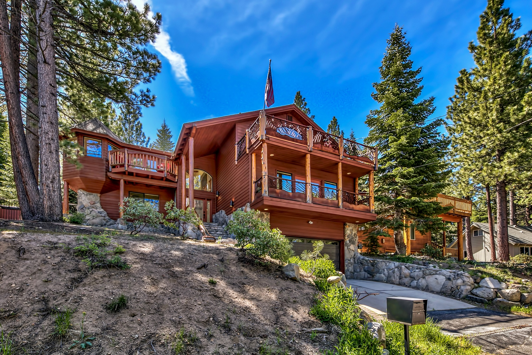 Residenza monofamiliare in vendita in 1461 Skyline Drive, South Lake Tahoe, California ,96150