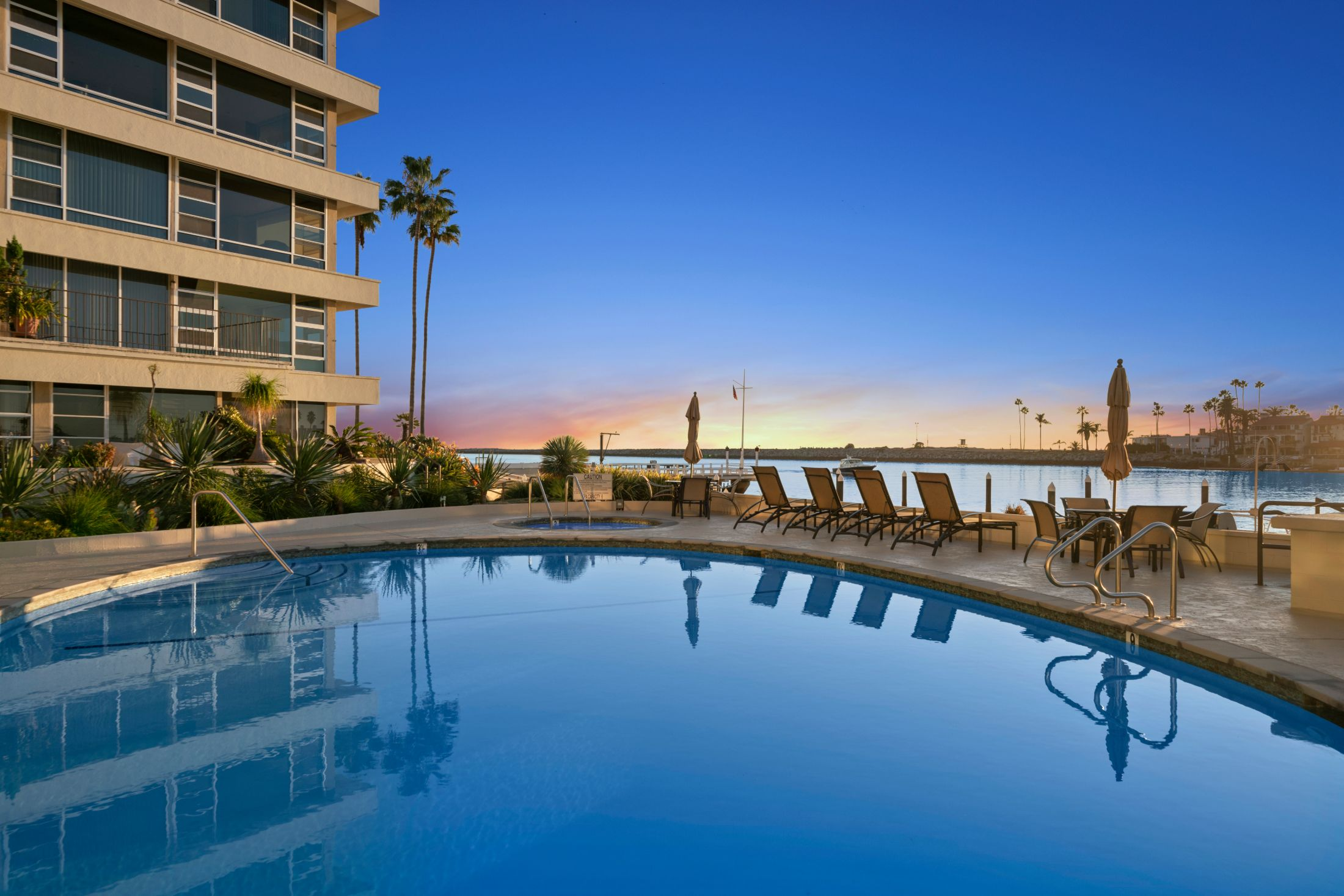 Appartamento in vendita in 2525 Ocean Boulevard Unit#6G, Corona del Mar, California ,92625
