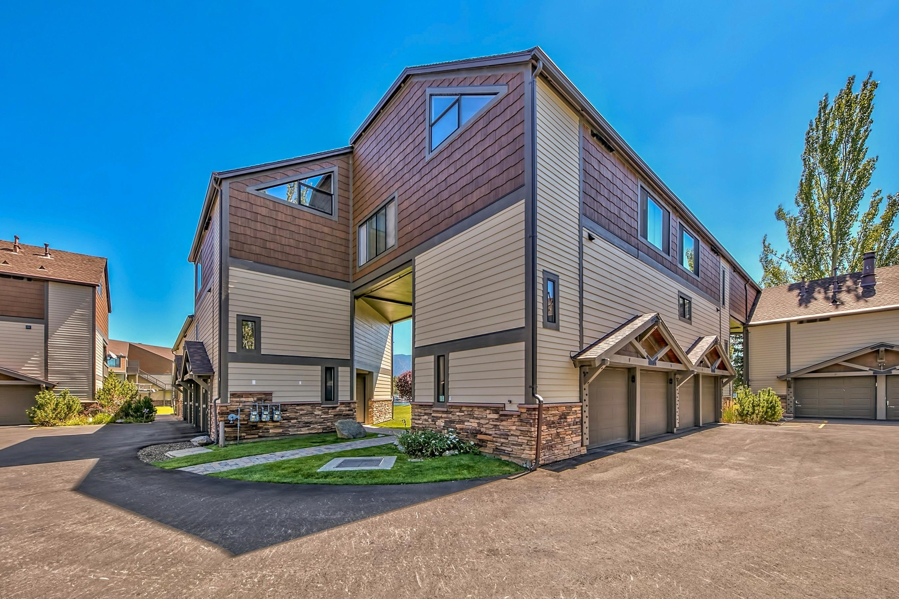 Appartamento in vendita in 555 Tahoe Keys Blvd. #13, South Lake Tahoe, California ,96150