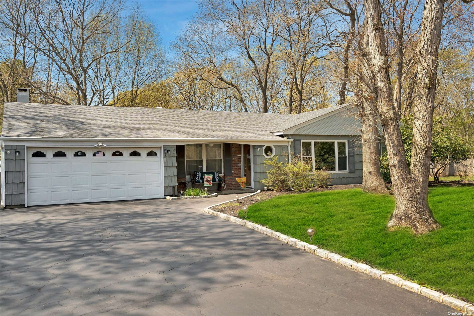 Residenziale in 21 Orleans Green, Coram, NY ,11727